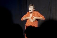 JOMI verschenkt Herz auf Bühne